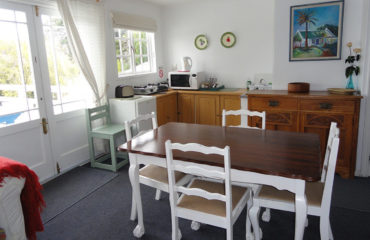 Eastbury Cottage Loft kitchenette and dining