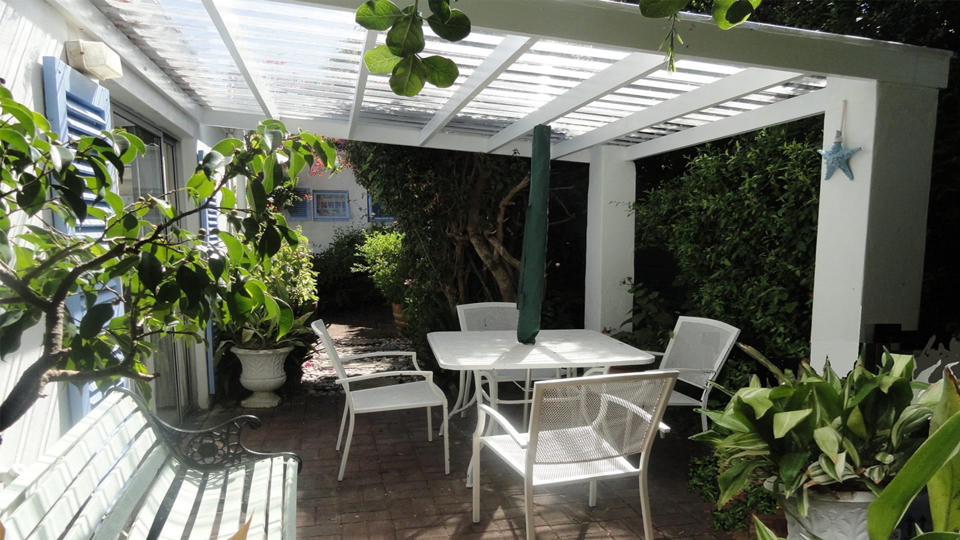 Garden Cottage outdoor area
