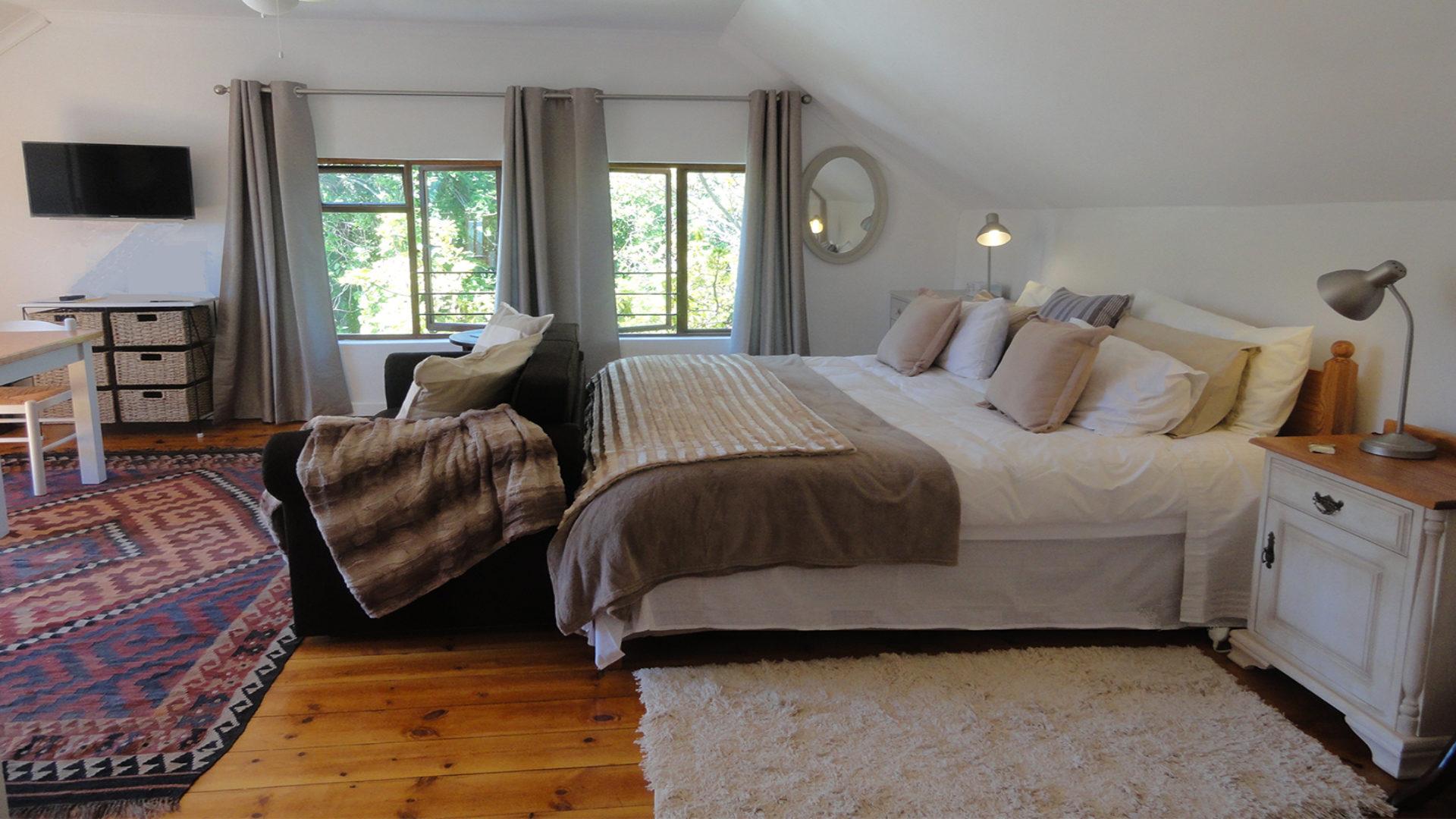 Mayflower Starboard Studio bedroom