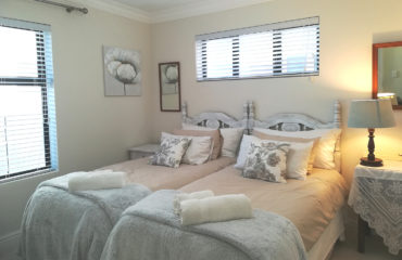 Sunbeam - Twin Bedroom