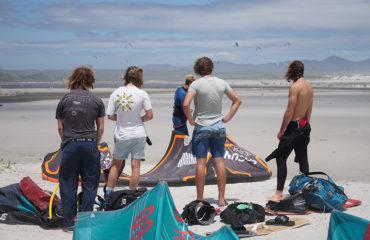 kite-surf-hermanus-watching-1026x686